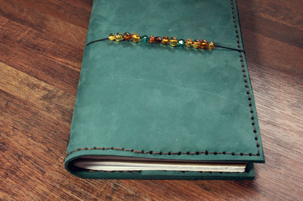 closed-travelers-notebook